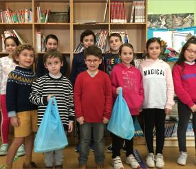 Los mini chefs del CEIP Praza de Barcelos demuestran la versatilidad del pescado  con recetas vanguardistas